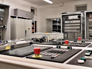 Řídící panely Simatic pro obráběcí stroje 3